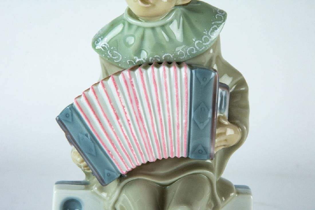 Lladro Porcelain Clown on Domino Figurine - 3