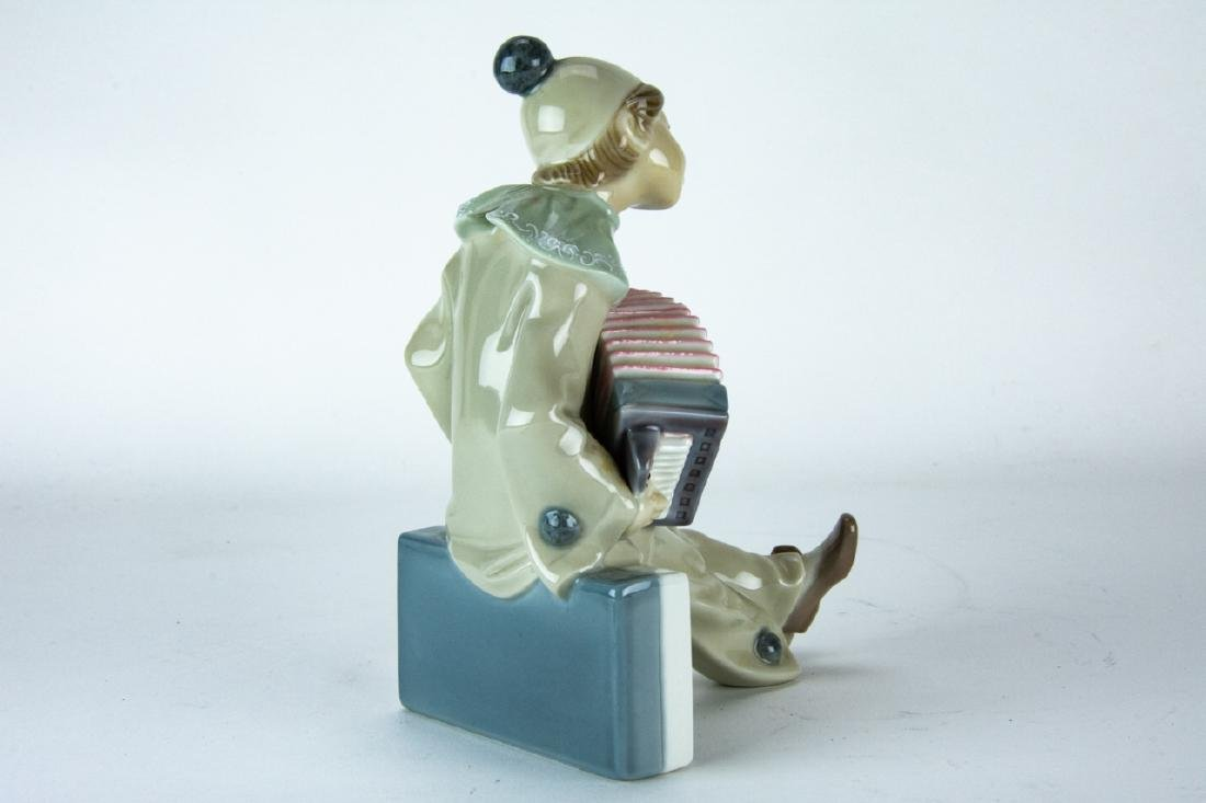Lladro Porcelain Clown on Domino Figurine - 6