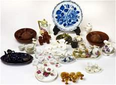Collection Miniature Porcelain & Pottery Tea Sets