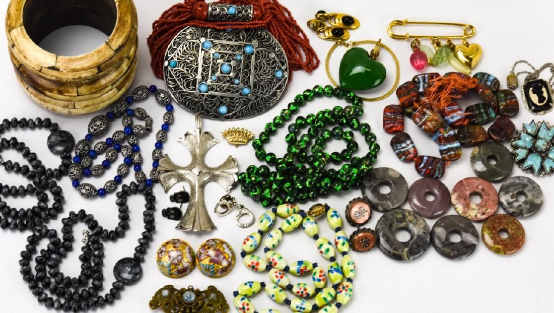 Large Group Lot of Vintage Costume Jewelry
