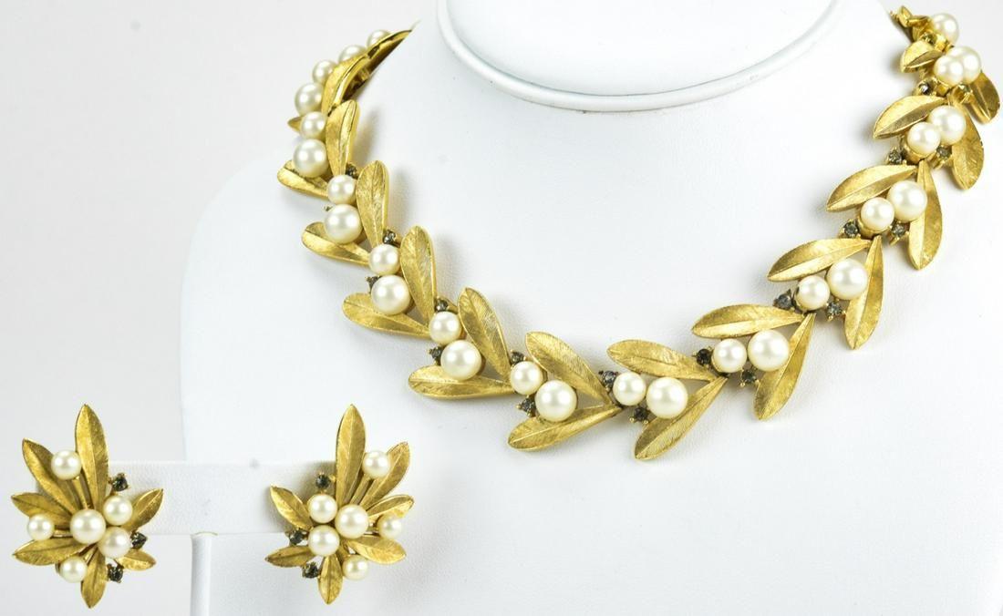 Vintage 1960s Trifari Jewelry Suite