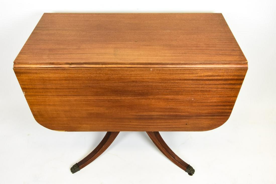 Antique Federal Style Pedestal Drop Leaf Table