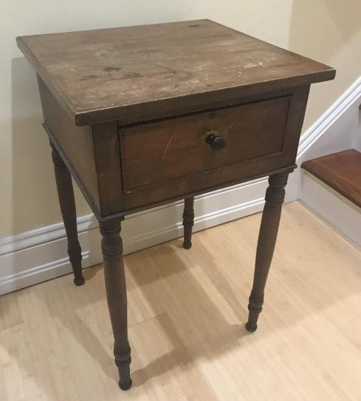 Antique 19th C Spindle Leg End Table w Drawer