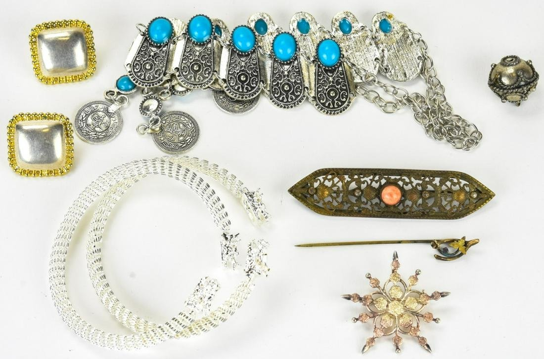Collection of Sterling & Costume Jewelry Lot