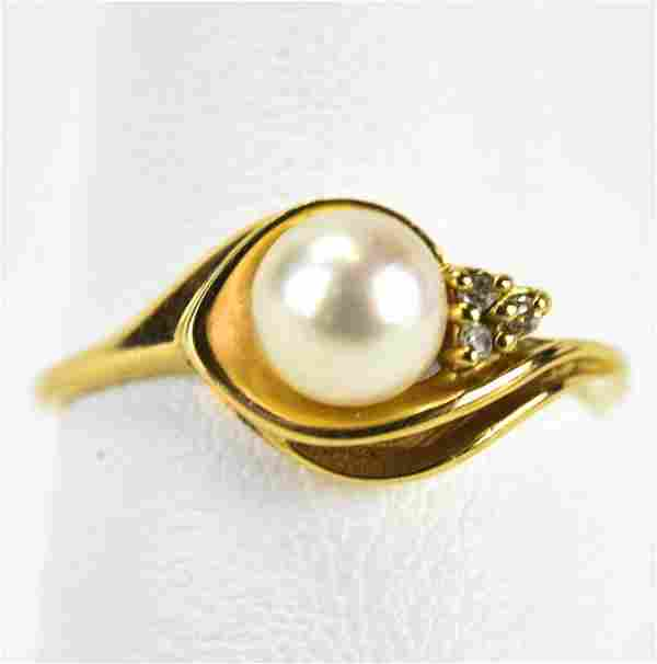 Vintage 10kt Yellow Gold Diamond & Pearl Ring