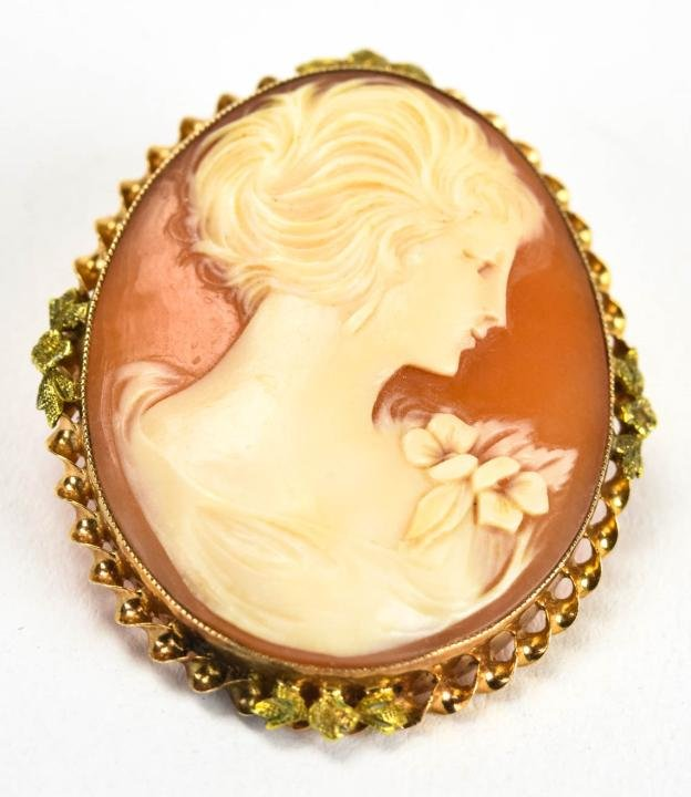 Vintage 10kt Yellow Gold Carved Shell Cameo Brooch