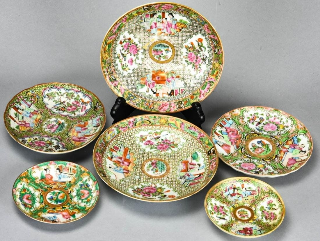Collection Chinese Rose Medallion Porcelain Plates