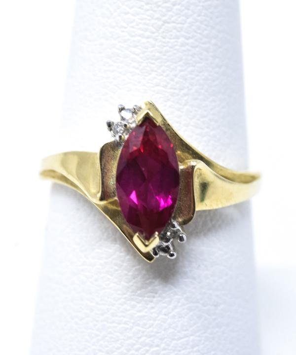 Vintage 10kt Yellow Gold Diamond & Ruby Ring