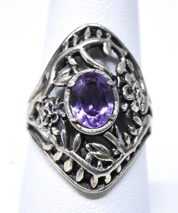 Vintage Sterling Silver Amethyst Floral Motif Ring