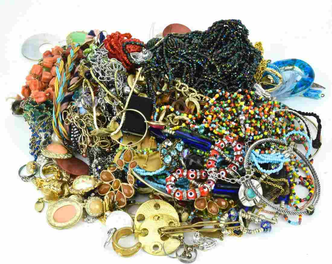 Collection Vintage & Contemporary Costume Jewelry