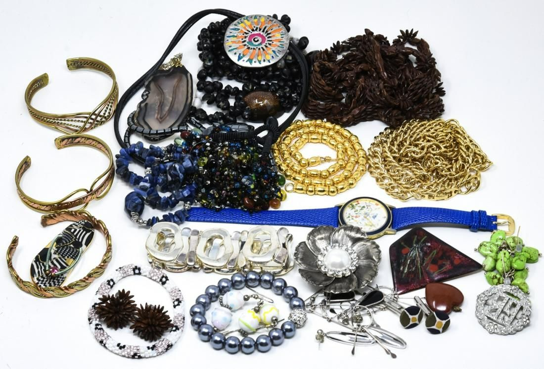 Large lot of Vintage Costume Jewelry Pieces