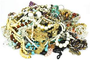 Collection Vintage Costume Jewelry Necklaces