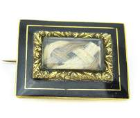 Antique 19th C Georgian 14kt Gold Mourning Brooch