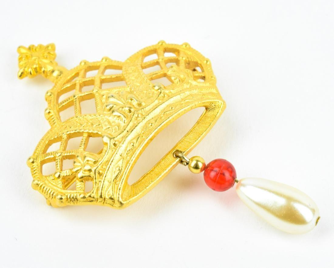 Vintage Costume Jewelry Crown Form Brooch