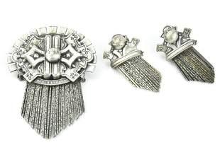 Costume Jewelry Victorian Brooch & Earring Set