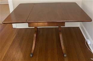 Sheraton Style Breakfast Table W Drop Leafs