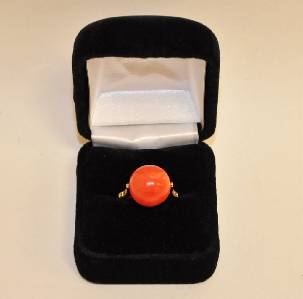 Mid-Century 14K Ring w/Coral Ball & Side Diamonds
