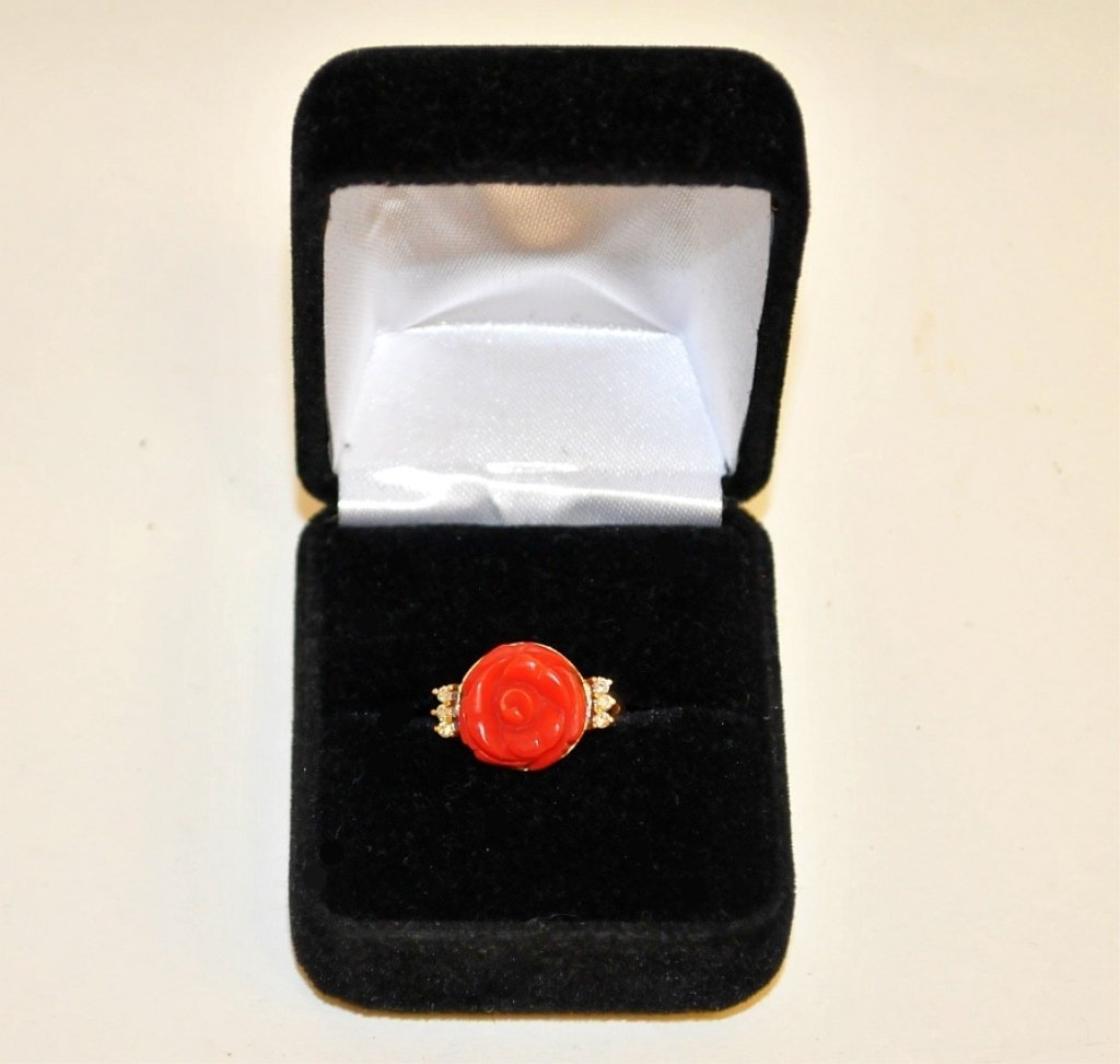 Vintage 14K Ring w/Blood Coral Flower & Diamonds