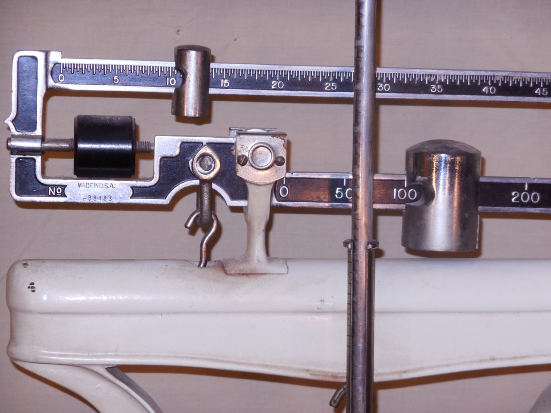 Vintage Continental Scale Works Medical Scale - 4