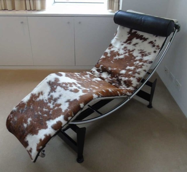 SIGNED Modern Le Corbusier LC4 Cassina Cowhide Chaise