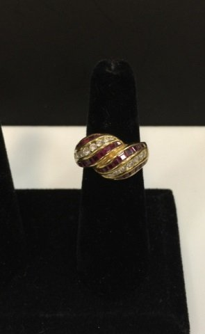 Estate 18kt Yellow Gold Diamond & Ruby Ring