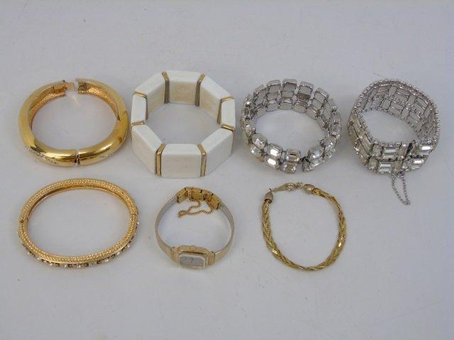 Vintage & Retro Ladies Costume Jewelry Bracelets
