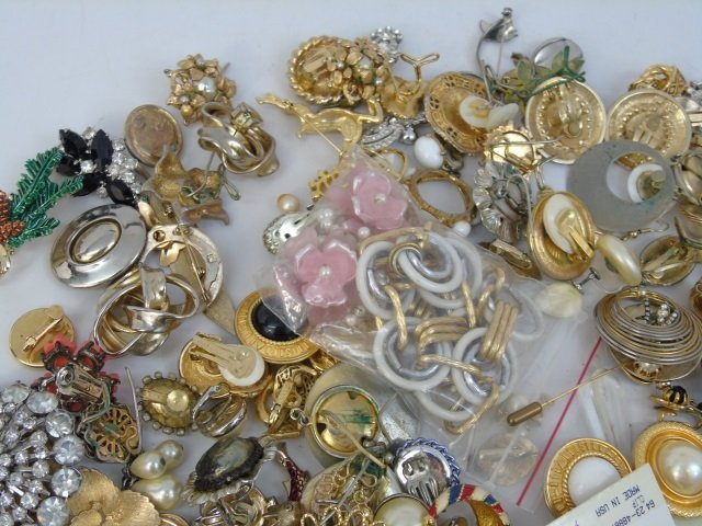 Vintage & Retro Costume Jewelry Earrings Brooches - 2
