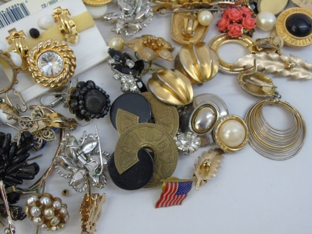 Vintage & Retro Costume Jewelry Earrings Brooches - 4