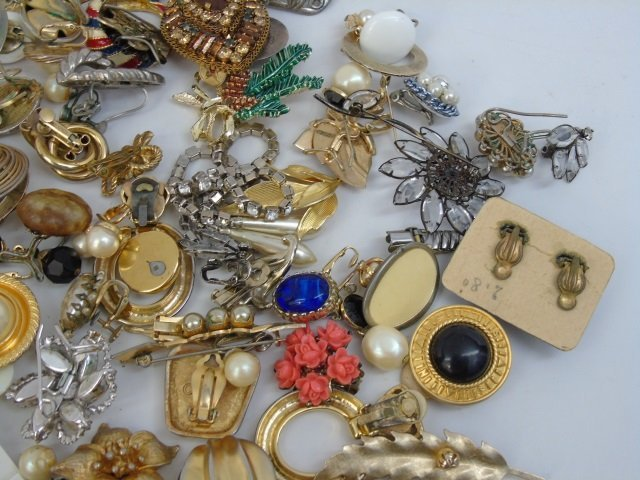 Vintage & Retro Costume Jewelry Earrings Brooches - 5