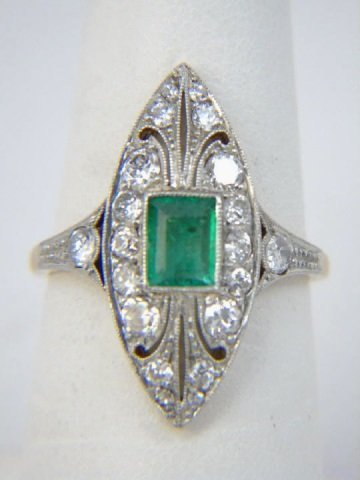 Estate Antique Art Deco Diamond & Emerald Ring