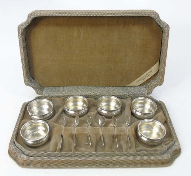 Antique Boxed Set of Sterling Salt Cellars w Spoon
