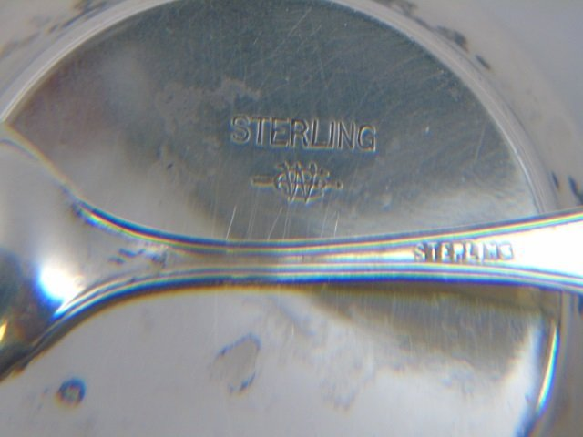 Antique Boxed Set of Sterling Salt Cellars w Spoon - 4