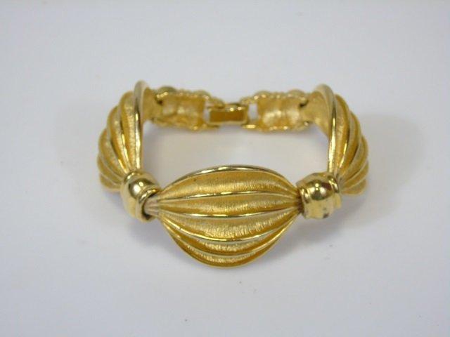Gold-Toned Linked Swag Bracelet