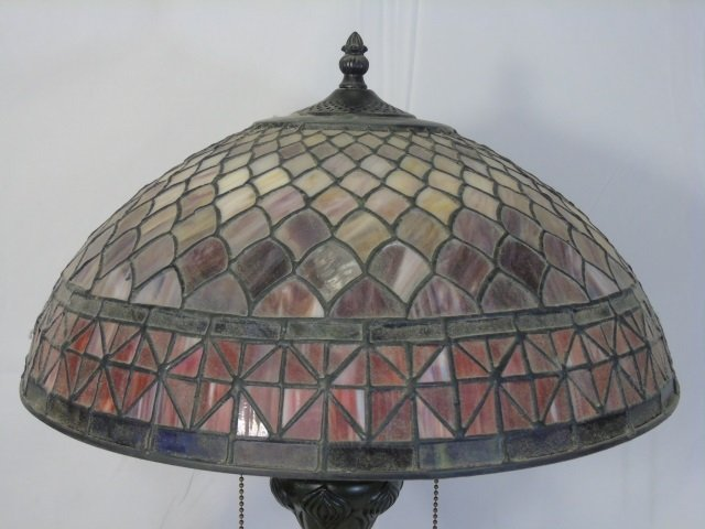 Contemporary Stained Glass Tiffany Style Lamp - 2