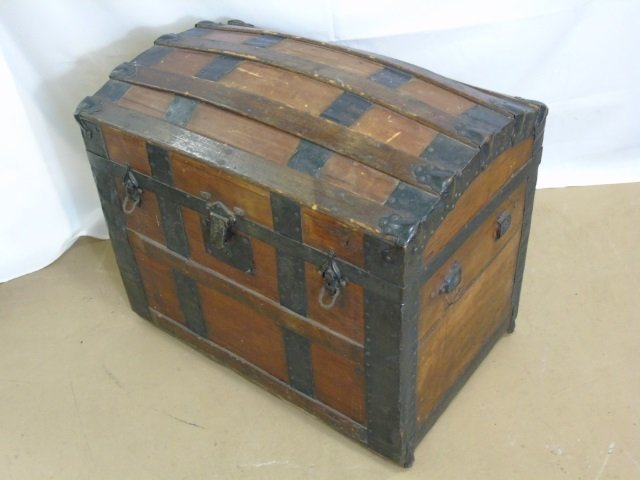 Antique 19th C Victorian Domed Steamer Trunk - 2