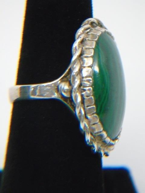 Sterling Silver & Malachite Ring Size 7 - 3