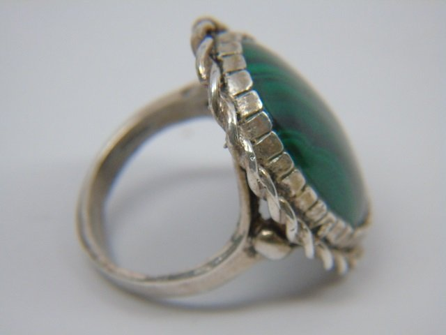 Sterling Silver & Malachite Ring Size 7 - 4