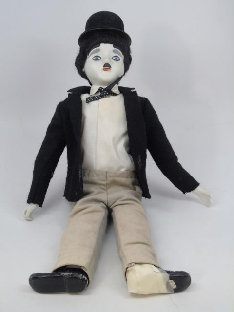 2 Vintage Dolls Bonani & Charlie Chaplin - 5
