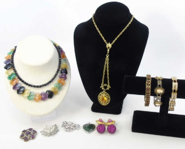 Estate Lot of Vintage Costume Jewelry Pieces