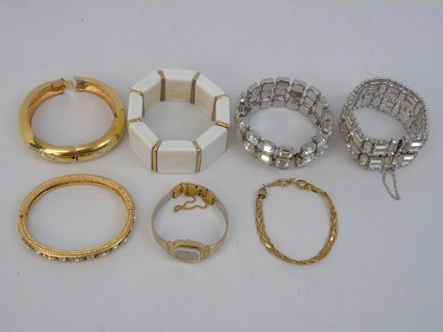 Vintage & Retro Ladies Costume Jewelry Bracelets