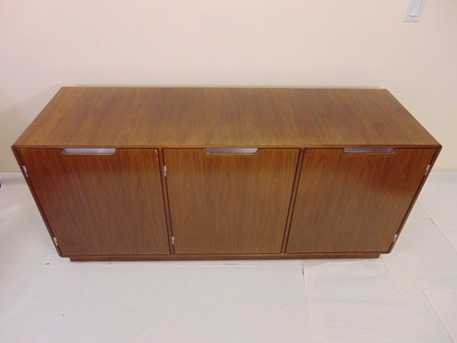 Mid Century Modern Console / Credenza Cabinet