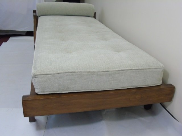 Contemporary Traditional Carved Wood Frame Chaise - 6
