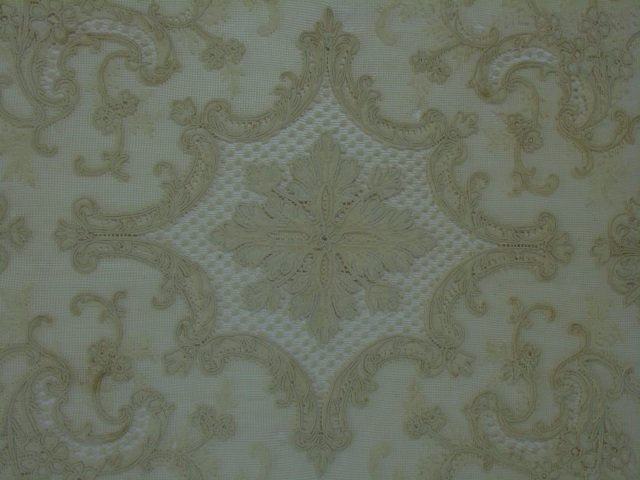 Antique 19th C Lace & Embroidery Table Cloth - 3