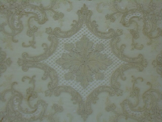 Antique 19th C Lace & Embroidery Table Cloth - 4