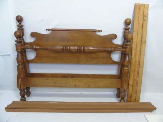 Vintage Maple Tone American Full Size Bed Frame
