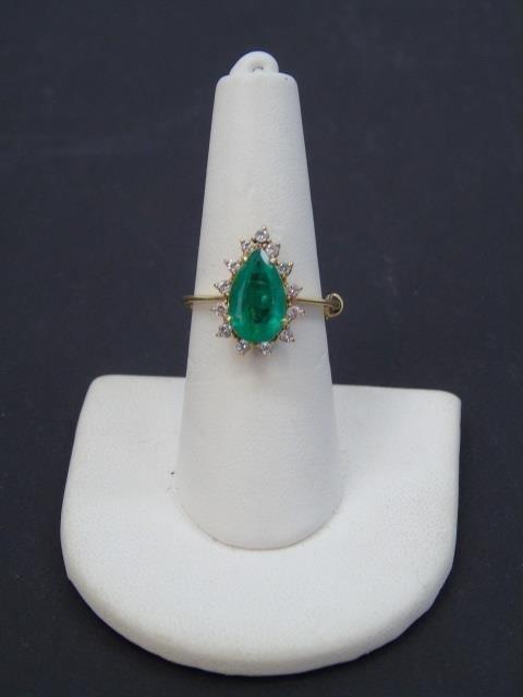 Estate Pear Shaped Emerald & Diamond Gold Ring - 2
