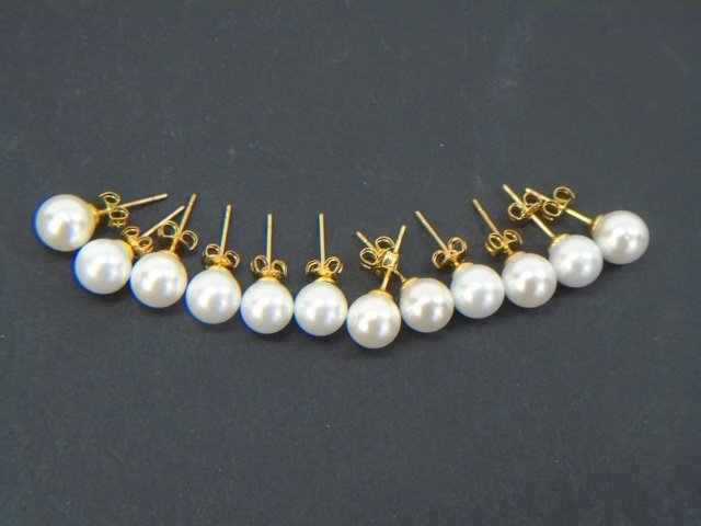 Six Pairs of Cultured White Pearl & Gold Earrings - 3