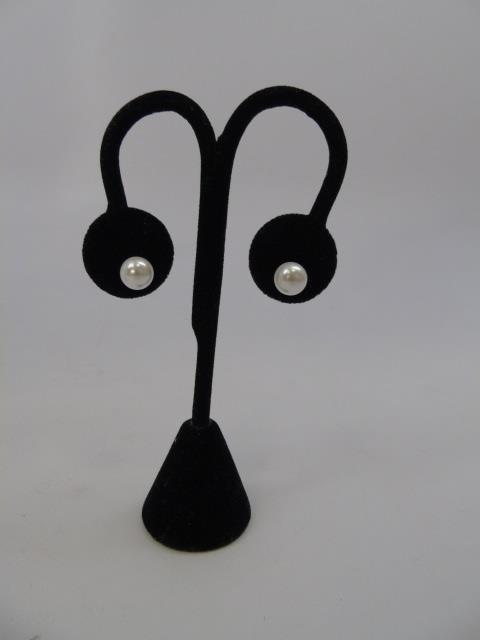 3 Pairs of Cultured White & Black Pearl Earrings - 4