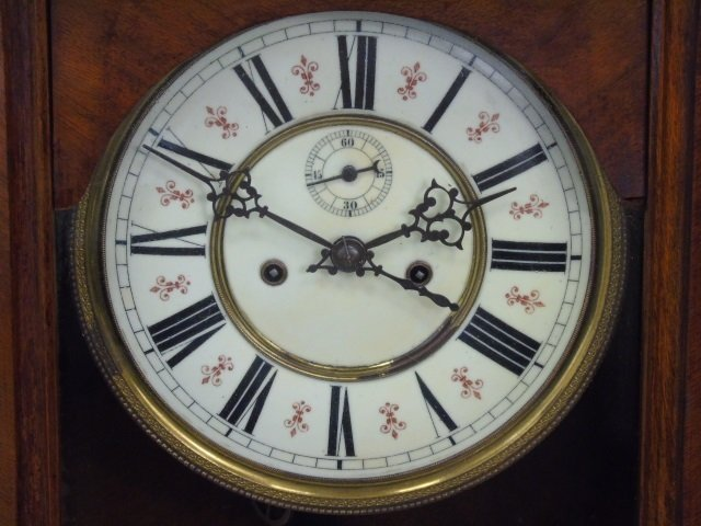 Vintage Mahogany Tavern Style Carved Wall Clock - 3