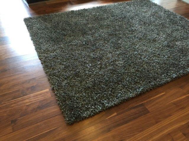 Contemporary Stark Grey Python Shag Carpet - 3